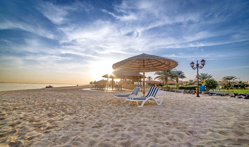VAE-Abu-Dhabi-Danat-Resort-Jebel-Dhanna